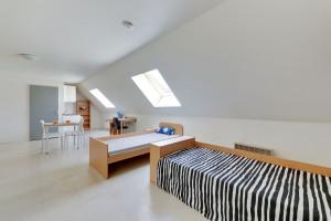 Photo 150 studios de 18m² à 30m² n° 1