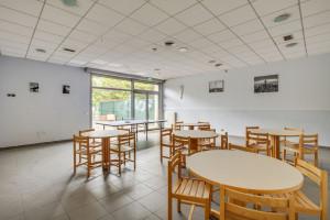Photo 200 studios meublés de 18m²  à 21m²  et 1 T2 meublé. n° 3