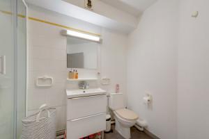 Photo 150 studios simples meublés de 19 à 25m² et 30 T2 meublés  de 27m² à 32m² n° 5