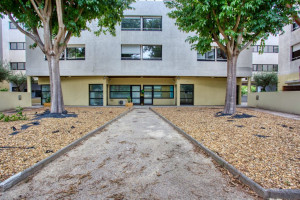 Photo T1 bis furnished 33m² in a student residence in Nîmes n° 30