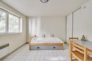 Photo 157 studios meublés / équipés de 16m² à 36m² et 1 T2 meublé de 55m² n° 1