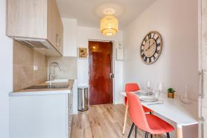 FRAIS OFFERTS : Superbe T2 refait à neuf - 12 rue Louis Joyeux à CORBEIL ESSONNES