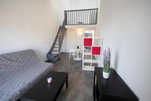 Photo Studio de 18 à 20m² meublé et équipé n° 14