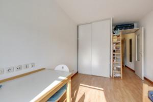 Photo 150 studios simples meublés de 19 à 25m² et 30 T2 meublés  de 27m² à 32m² n° 3