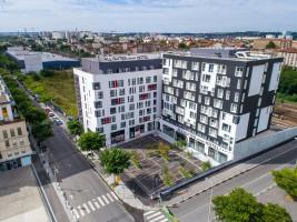 Photo STUDIO Supérieur avec terrasse 1-4 pers de 27m² à 940€ n° 1