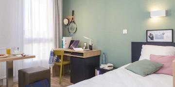 Photo Studioavec terrasse de 18 m² meublé et équipé n° 3