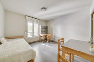 Photo 157 studios meublés / équipés de 16m² à 36m² et 1 T2 meublé de 55m² n° 2