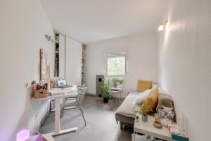 Photo 150 studios simples meublés de 19 à 25m² et 30 T2 meublés  de 27m² à 32m² n° 7