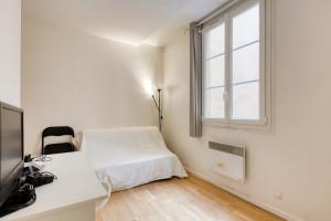 Joli studio en bon état - rue Montorgueil
