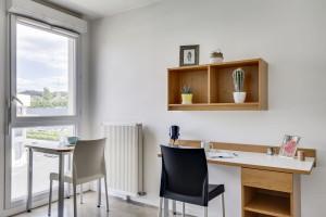 Photo 168 studios équipés de 19 m² à  23 m², 80 logements doubles équipés permettant la colocation et 1 F3 de 60 m². n° 2