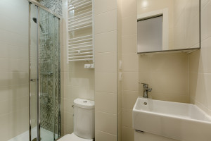 Appartement de 31 m2 avec 2 chambrettes - Colocations acceptées - rue  Antoine Chantin - 75014 Paris