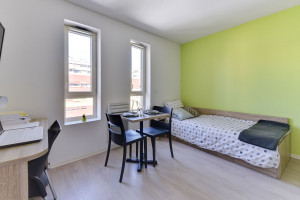 Photo Studio 18m² to 22m² for rent between 380 € and 430 € n° 1