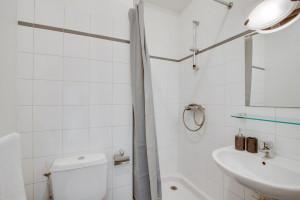 Photo 200 studios meublés de 18m²  à 21m²  et 1 T2 meublé. n° 7