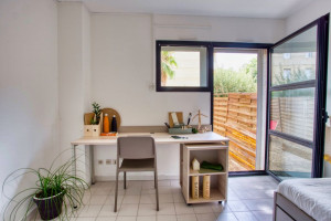 Photo T1 bis furnished 33m² in a student residence in Nîmes n° 5