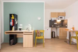 Photo Studio de 18 à 25m² meublé et équipé n° 9