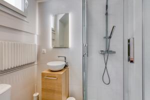 Magnifique studio refait à neuf par architecte - rue de Dunkerque - Frais d'agence offert