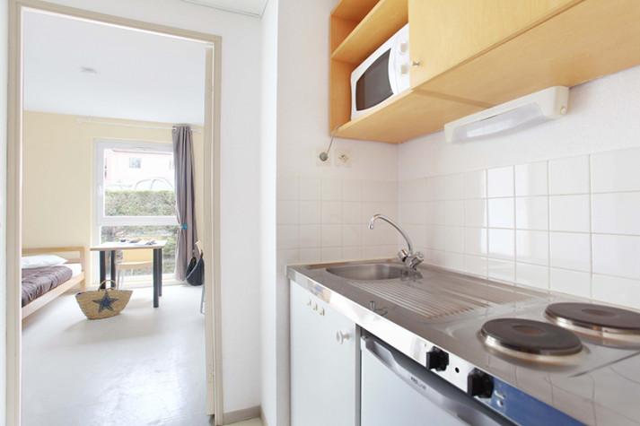 Studio meublé (en étages) de 18 m² à 445 € photo n° 3
