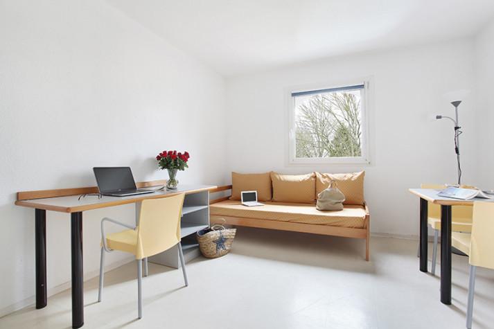 Studio meublé (RDC côté rue) de 18 m² à 399 € photo n° 1