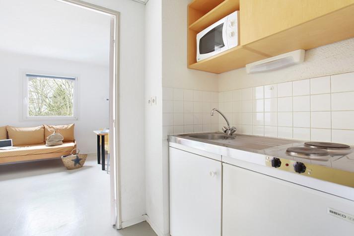 Studio meublé (RDC côté rue) de 18 m² à 399 € photo n° 2