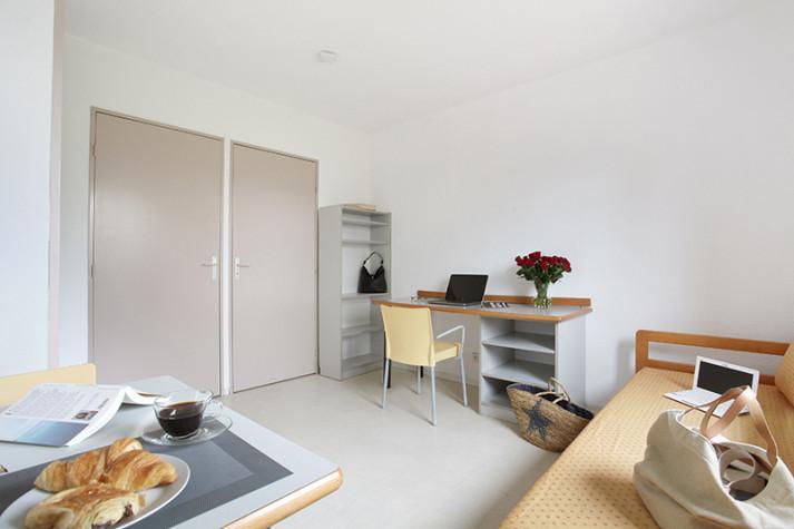 Studio meublé (en étages) de 18 m² à 445 € photo n° 1